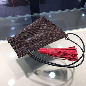 louis vuitton LV TRIANGLE WAR POUCH M62232