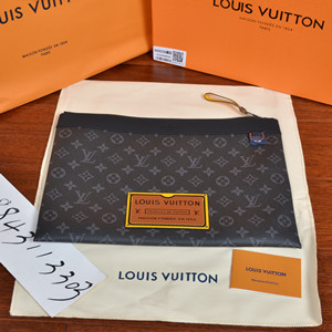 lv louis vuitton pochette discovery gm bag #m69256