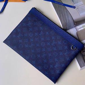lv louis vuitton discovery pochette bag #m62291