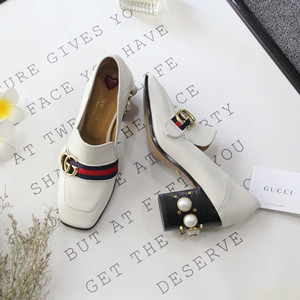 gucci leather pump shoes